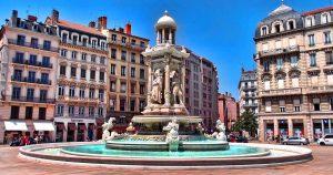 lyon-fontaine-place-jacobins-diluvial-deficit-foncier-lmnp-investissement-immobilier